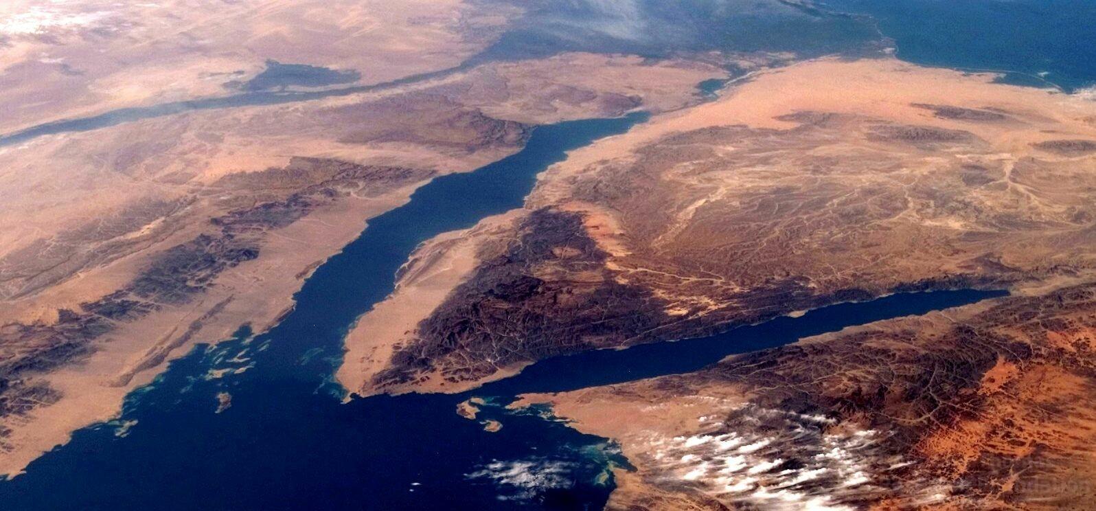 gulf of suez and aqaba red sea crossing